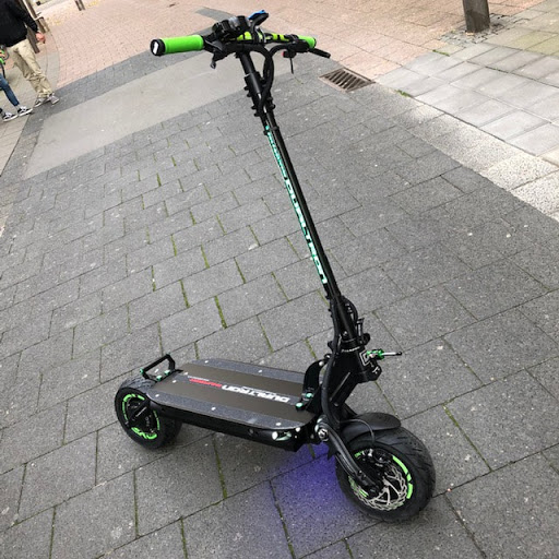Les scooters électriques dualtron ont du style